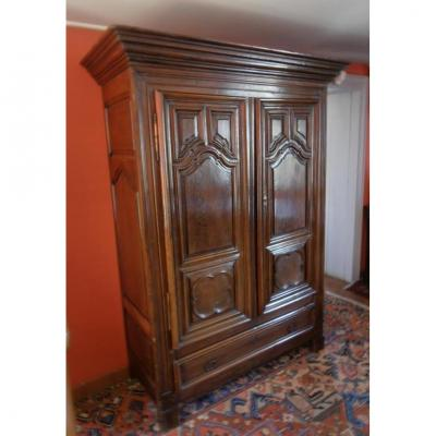 Small Louis XIV Wardrobe In Walnut. Epoque XVIII ° Century.