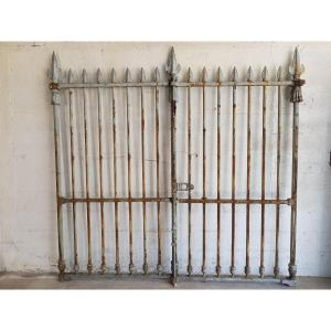 Portal, Directoire Period Property Entry Grid.