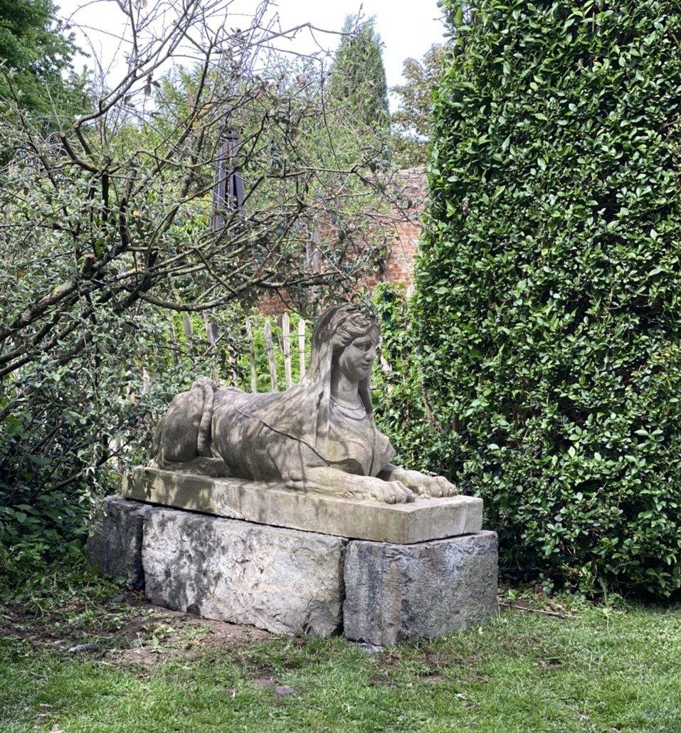 Sculpture En Pierre Reconstituée