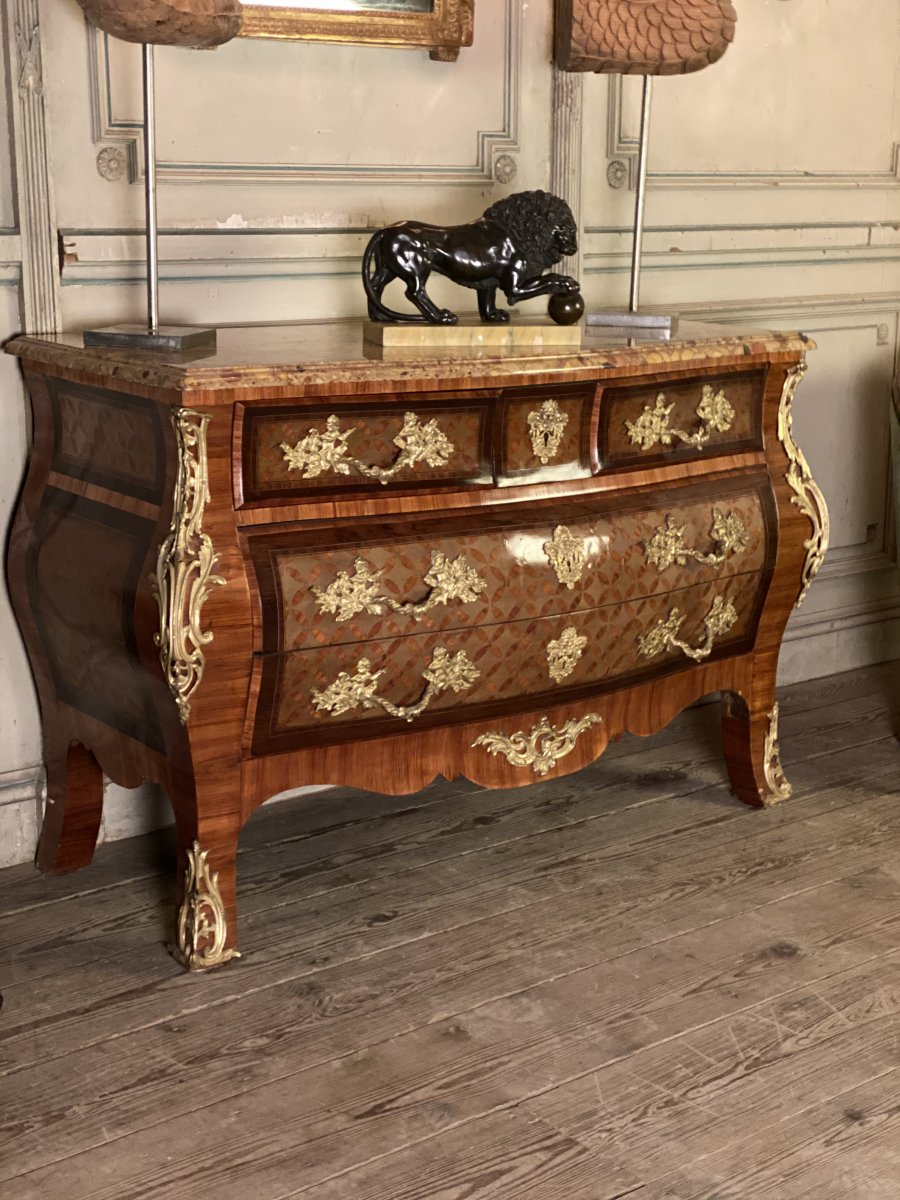 Regency Style Chest Of Drawers In Marquetry