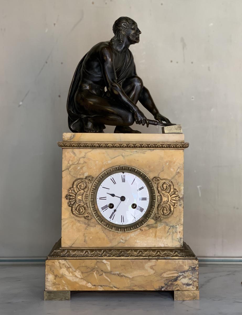 Pendule En Marbre Jaune De Sienne, Bronze Antique