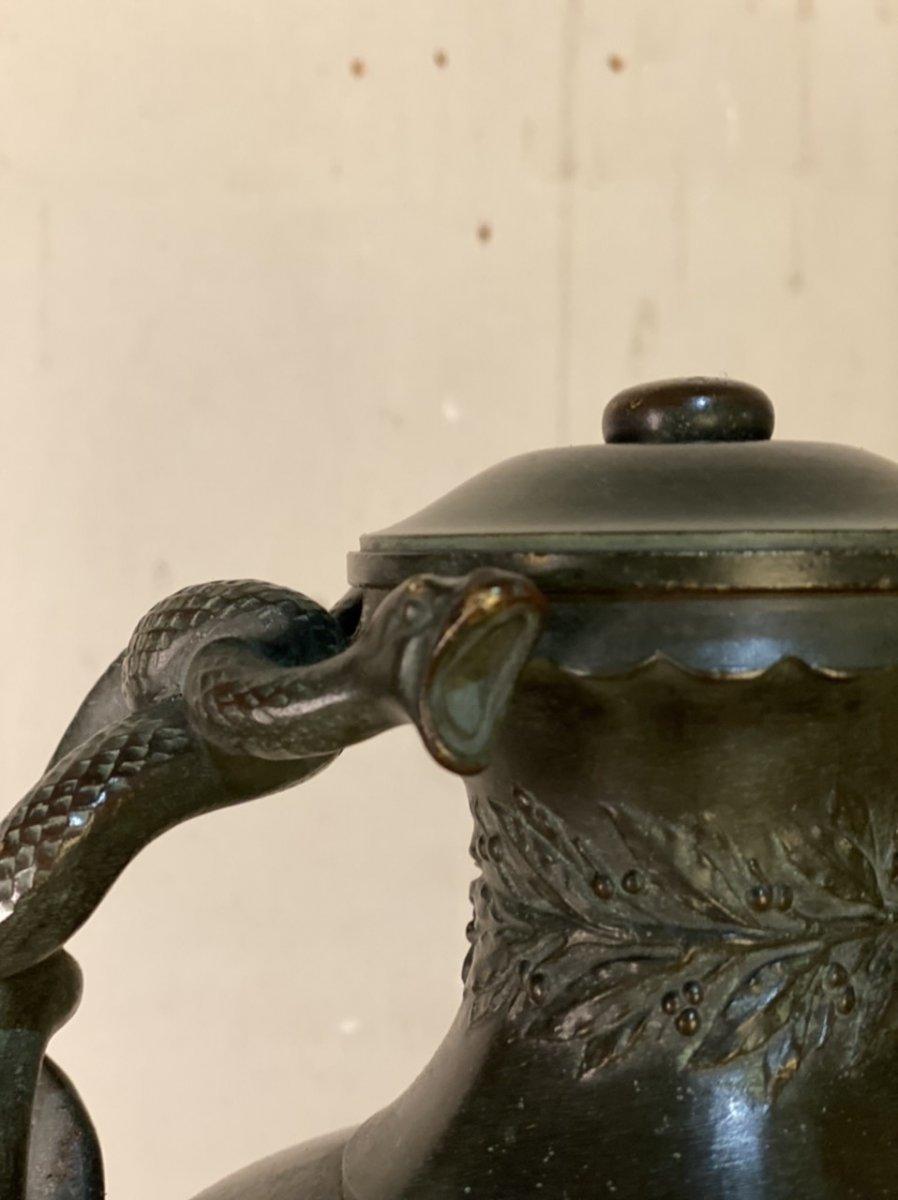 Vase Aux Serpents En Bronze Patine Verte Dans Le Goût De L'antique -photo-3
