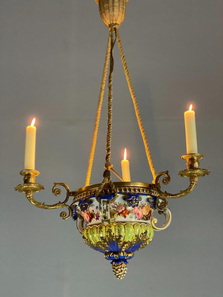 Lustre En Porcelaine, Trois Bras De Lumière En Bronze Et Cuivre Doré, XIXéme Siècle