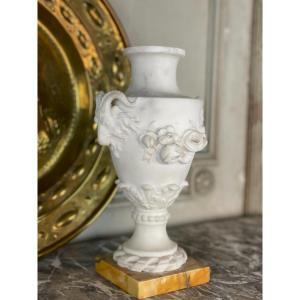 Vase De Style Louis XVI En Marbre Blanc Statuaire Et Jaune De Sienne
