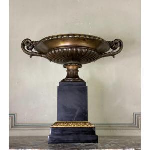 Coupe En Bronze Patine Brune Sur Base De Marbre Noir De Belgique