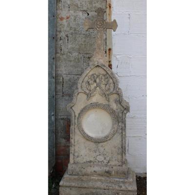 Stèle En Pierre calcaire  Sculptée