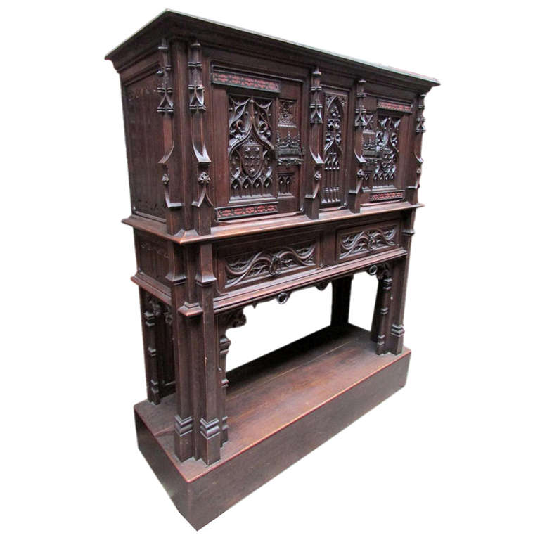 bel ancien meuble gothique sculpt epoque xix eme chene violet le duc buffet buffets enfilades. Black Bedroom Furniture Sets. Home Design Ideas