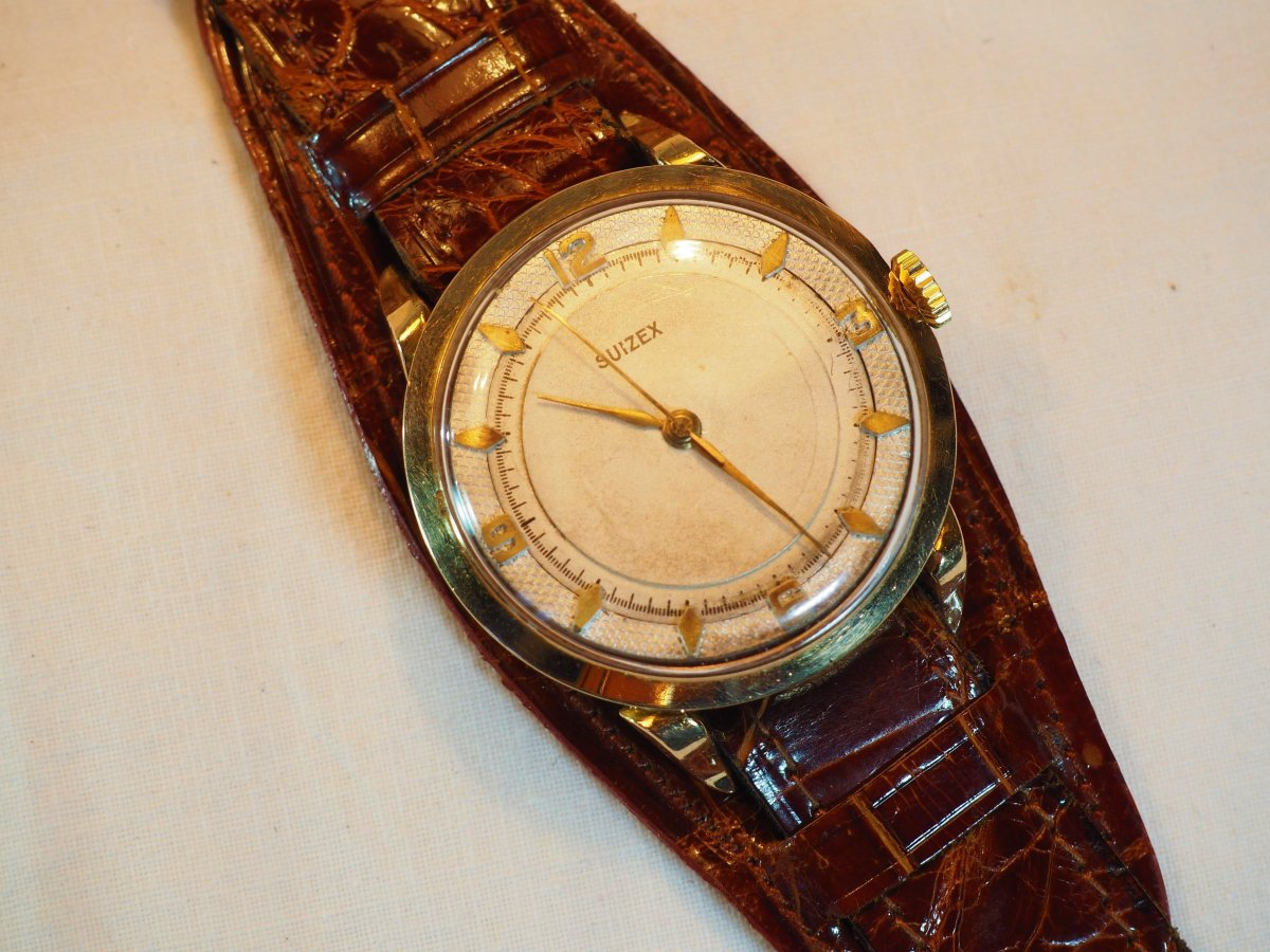 Suizex Gold Wristwatch - Croco Strap And Protection - 1940s / 1950s