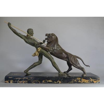 Limousin. Très Grand Groupe Art Deco. Homme et lion