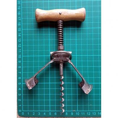 Exus Brand Corkscrew With Mechanism