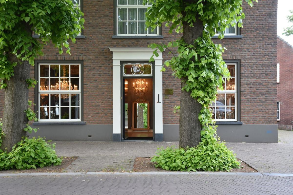 galerie-anna-van-elteren-diapo-1