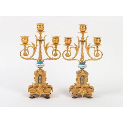 Paire De Candélabres De Style Louis XVI   En Bronze Doré Ciselé Et Porcelaine