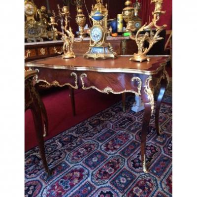 Bureau Plat  De Milieu De Style Louis XV