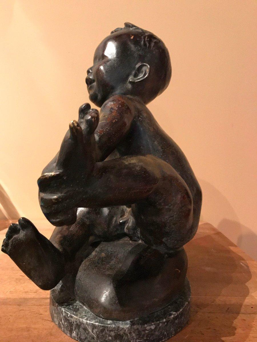 Japon, Scuplture En Bronze, Jeune Enfant Tenant Son Pied. Vers 1900-photo-2