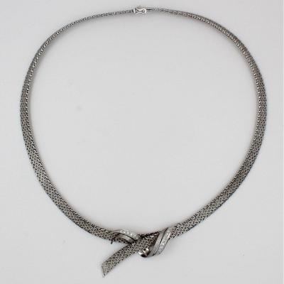 Knotted Ribbon Necklace
