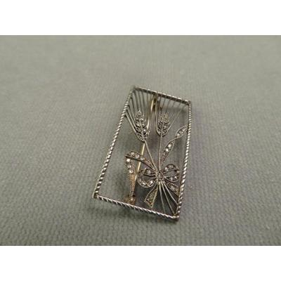 Rectangle Brooch Wheat Spit