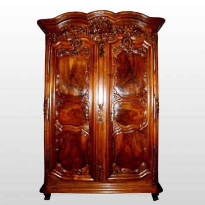 Large Regence Wardrobe In Wallnut, France XVIIIth Century