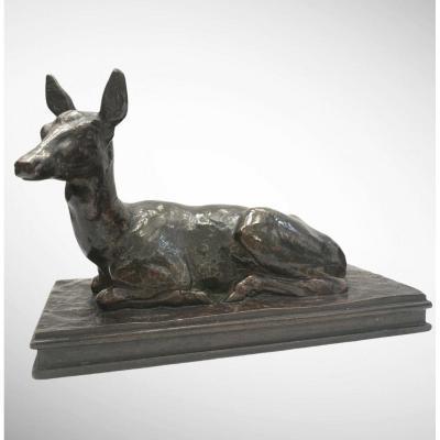 Biche Couchée, Tête Levée Par Antoine-louis Barye (1795-1875)