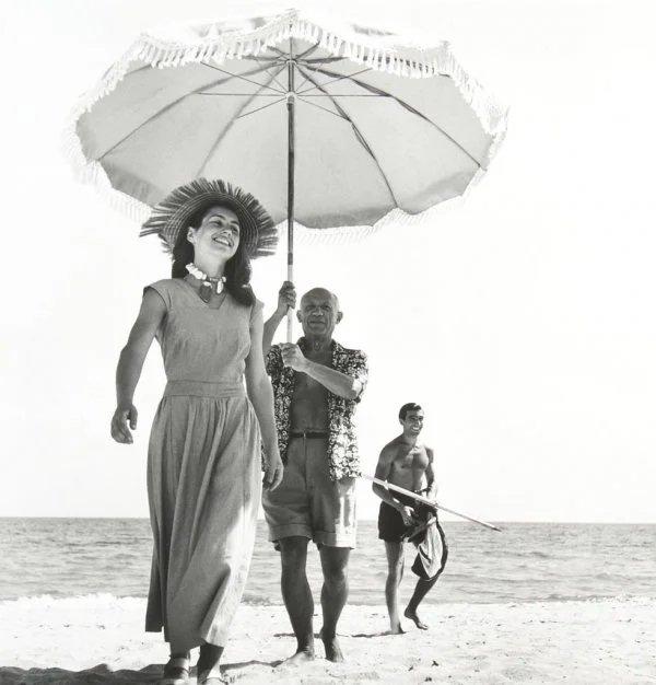 Robert Capa:Picasso et  Françoise Gilot