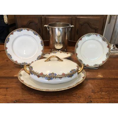 Partie De Service De Table En Porcelaine De Limoges D'époque 1925-1930