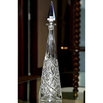 BACCARAT. Carafe à vin du Rhin fuselée en cristal taillé translucide, modèle Lagny.