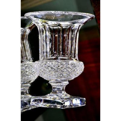 Saint-Louis. Important vase Médicis en cristal clair taillé, modèle « Versailles ».