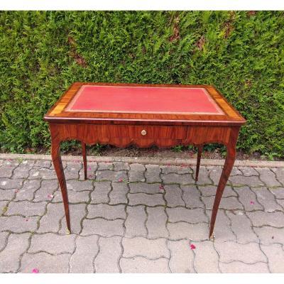 Table Volante Rectangulaire Formant Petit Bureau Plat , Milieu XVIII, époque Louis XV.