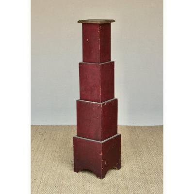 Piedestal Circa 1925