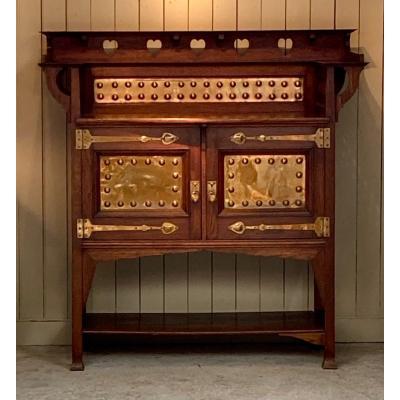 Buffet Art & Craft, Attribué  à  William Cowie pour Shapland & Petter, Angleterre.   Circa1905.  Provenance : Collection Particulière  , Galerie Jacques Lafon