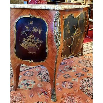 Commode Galbee De Style Louis Xv Laquee Commodes