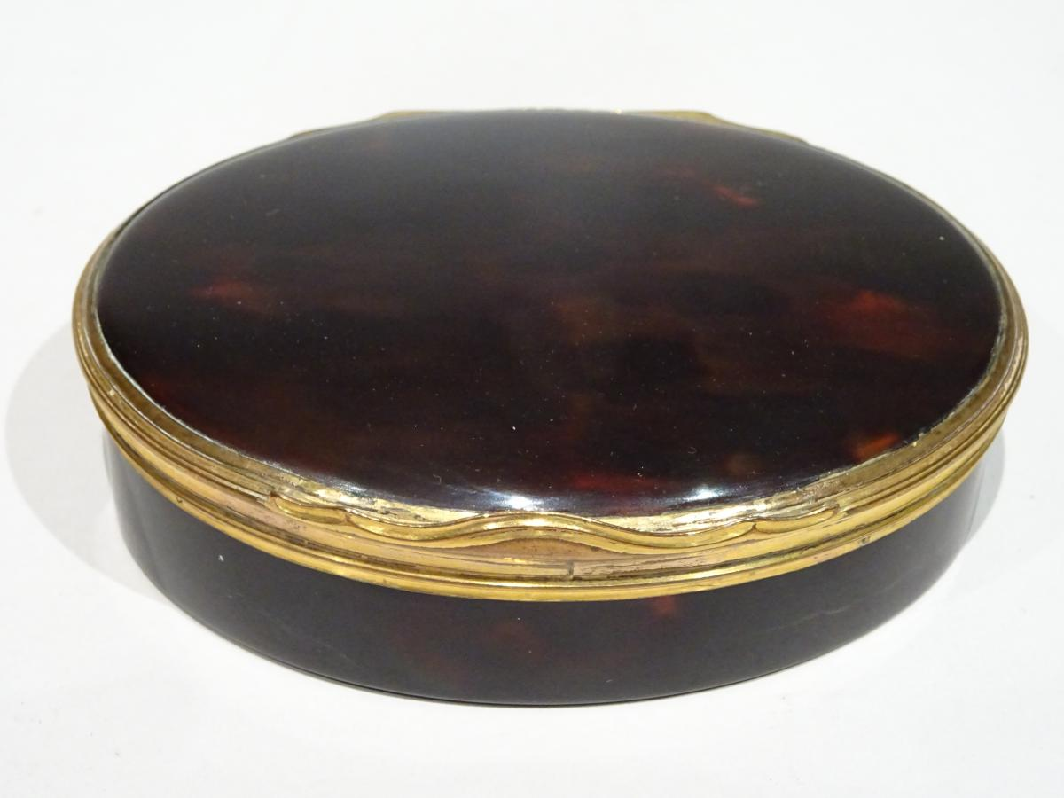 Great Snuffbox Made In Tortoishell Datable About 1740