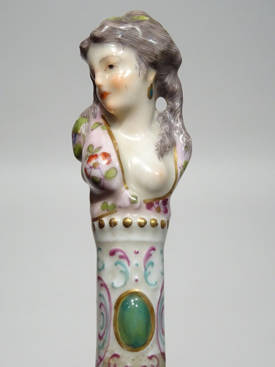 Canne à Pommeau En Porcelaine Au Décor d'Une Jolie Femme