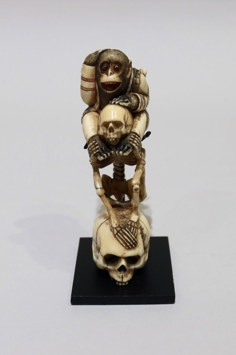 Ivory Skull Surmounted By A Skeleton Dating From The 19th Century