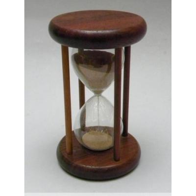 Round Hourglass With Four Columns