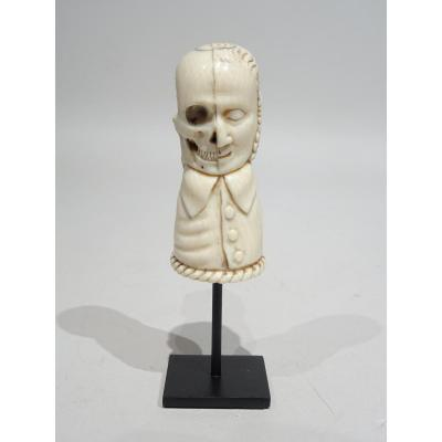 Two-sides Ivory Mememto Mori - Early 19th Century