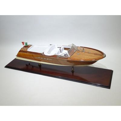 Model Of Riva Datable From The 1950s