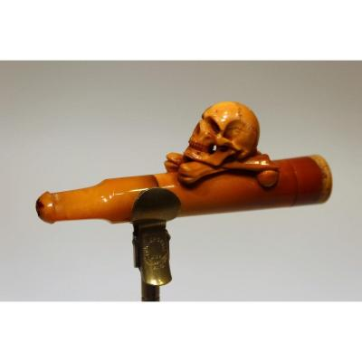 Cigar Holder In Meerschaum And Amber Representing A Skull On Crossed Tibias