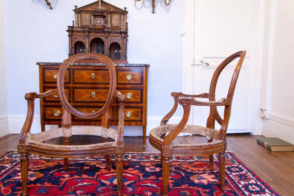 Paire de fauteuils Cabriolets  d'époque Louis XVI Estampillée Georges Jacob