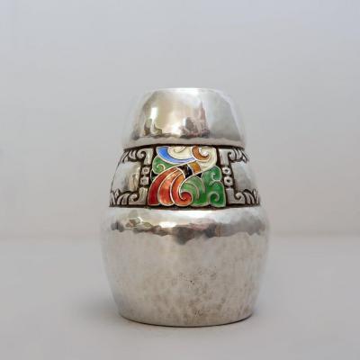 Petit vase en argent émaillé, poinçon de l'orfèvre Thune, Norvège XXe