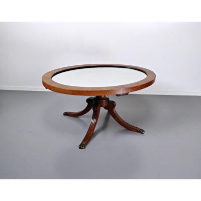 Table Basse De Style Anglais Avec Un Plateau Miroir