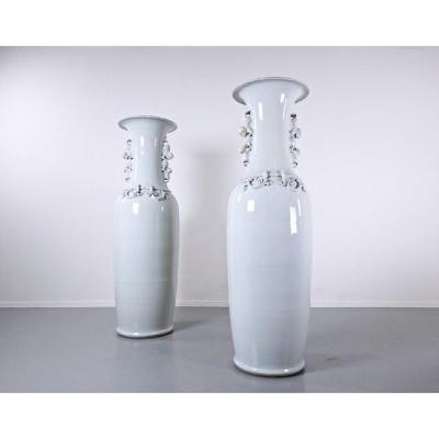 Paire De Grands Vases En Porcelaine De Chine, Circa 1900