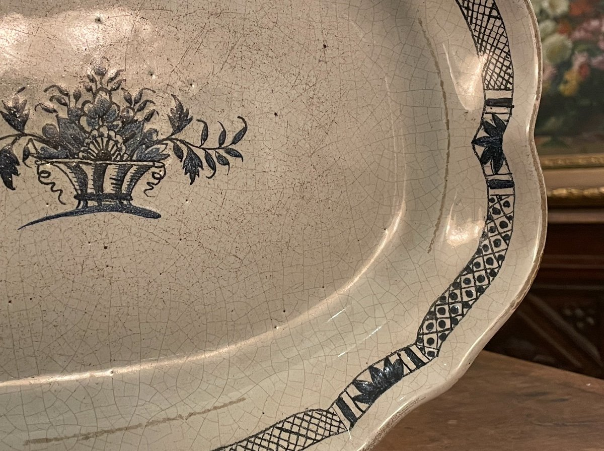 Dish Scalloped In Earthenware From Rouen, Black Ass Eighteenth-photo-3