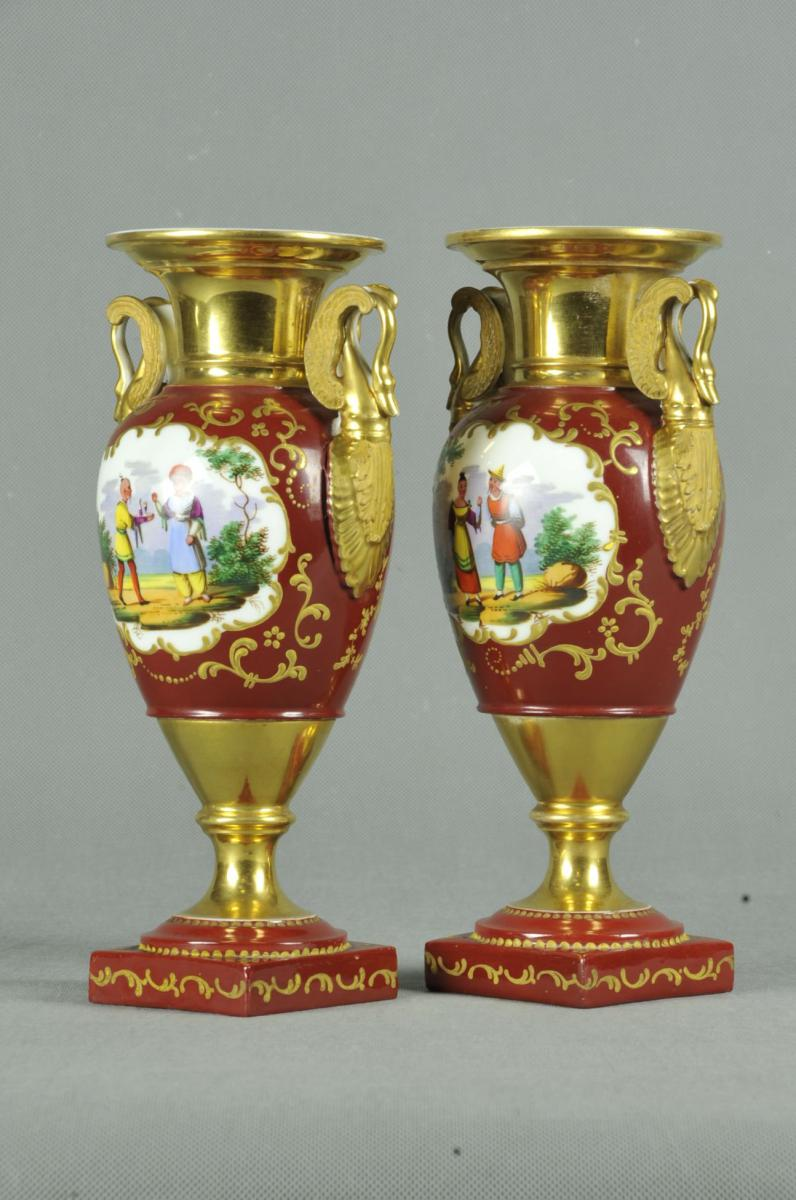 Paire De Vase Restauration En Porcelaine De Paris Aux Décors Chinois