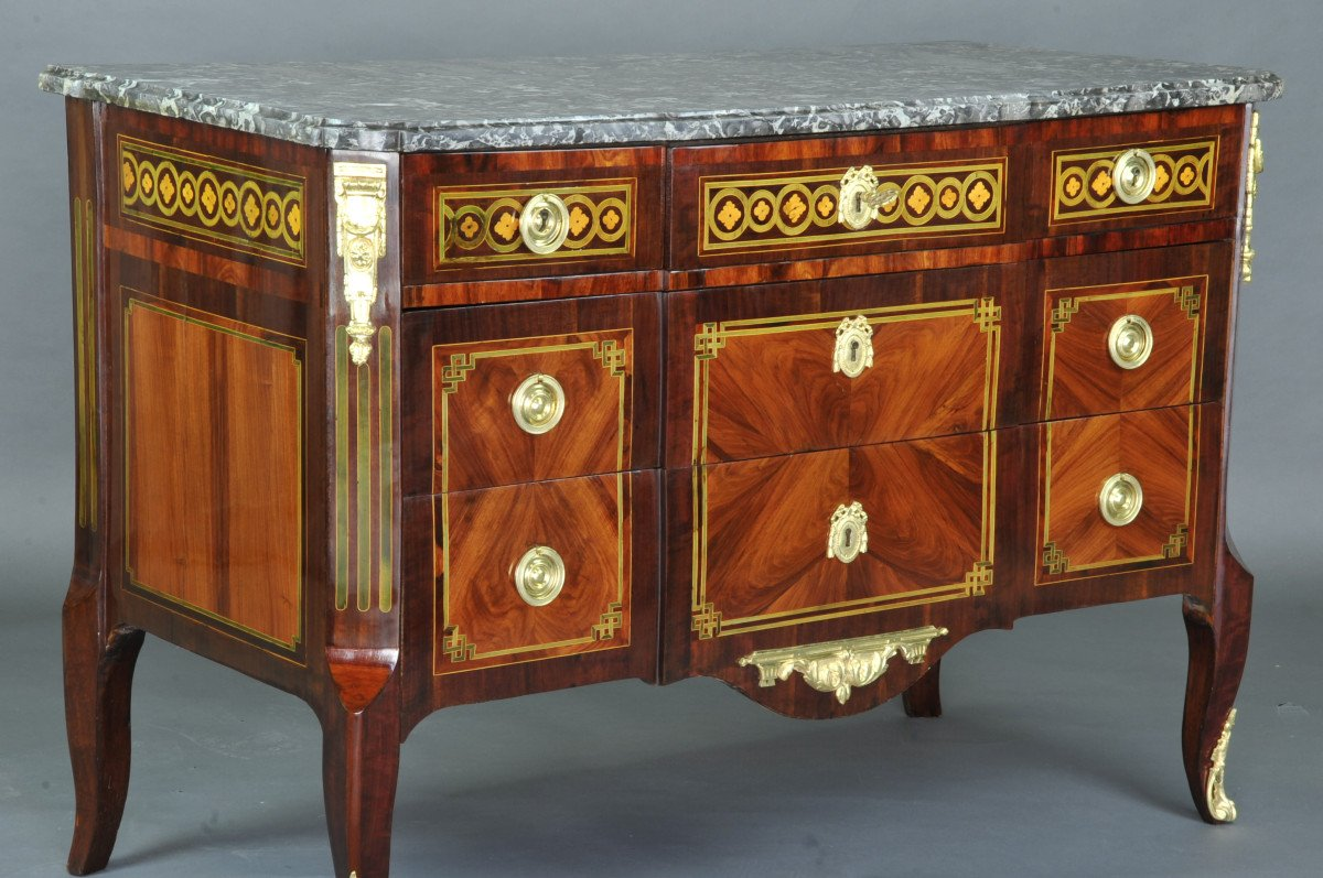 Large Commode Transition With Marquetry Of Quartefeuille-photo-3