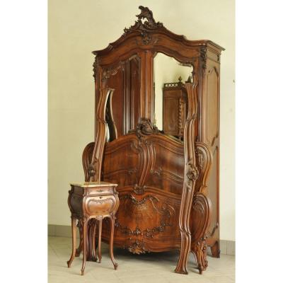 Louis XV Rocaille Bedroom Furniture  In Solid Walnut