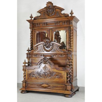 Important Mobilier De Chambre De Style Renaissance Estampillé Bardie à Bordeaux