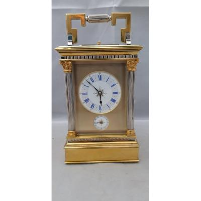 Officer's Clock, Travel With Music Box