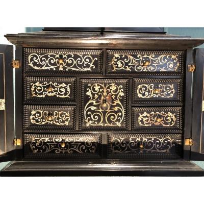Petit Cabinet XVIIème siècle flamand placage ébène et ivoire