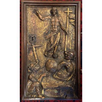 PORTE DE TABERNACLE rectangulaire en bois sculpté en bas-relief et doré à décor du Christ ressuscité Espagne XVIIème siècle