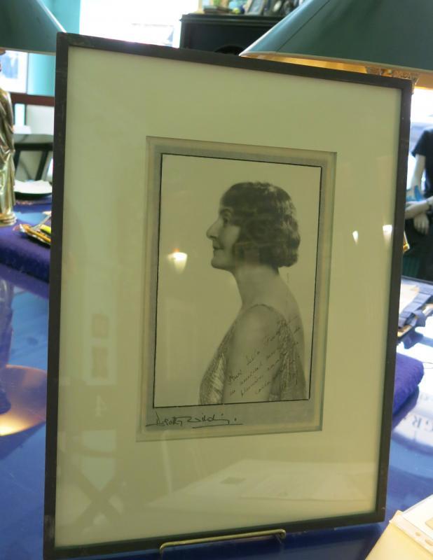 Photographie Dédicacée Et Signée Par Marie Bonaparte Princesse de Grèce-photo-3